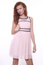Light Pink Dresses