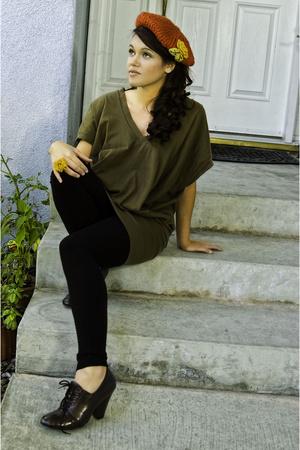 orange beret hat - brown shoes - black tights - green oversized tee top