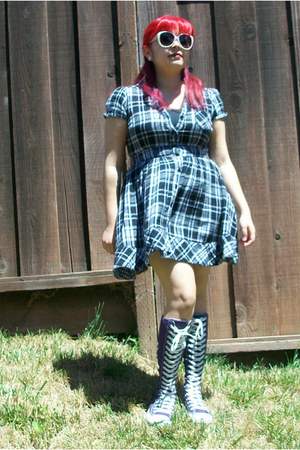 black plaid dress - white polka dot sunglasses - deep purple sneakers