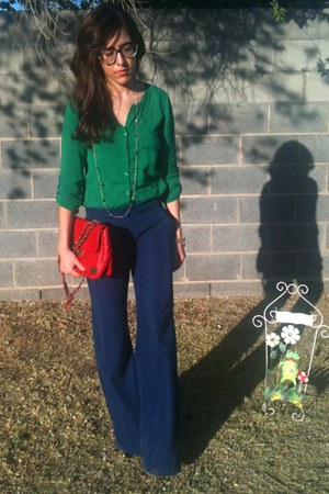 navy Old Navy pants - ruby red quilted purse - green Old Navy blouse