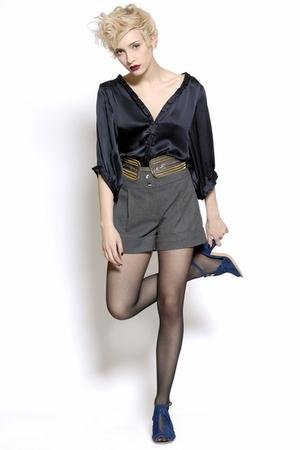 blue Shyde shirt - gray Shyde shorts