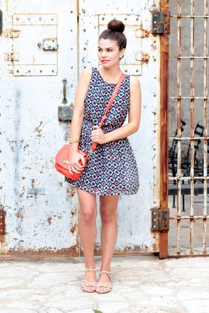 Forever 21 dress - savoir faire bag - lulus sandals