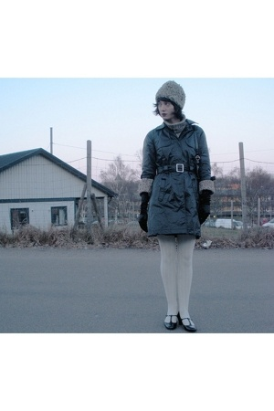 hat - sweater - ellosse coat - H&M gloves - hlns shoes