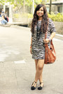 Black-zebra-print-thrifted-dress-burnt-orange-divisoria-bag