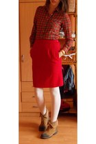 red skirt - ivory tights - orange blouse