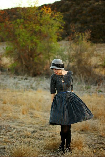 navy vintage dress - gray Forever 21 hat - black Target tights