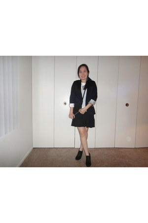 Trend Report boots - Forever 21 dress - Guess blazer