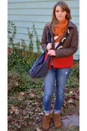 carrot orange fox YourMomDesigns scarf - brown fringe Minnetonka boots