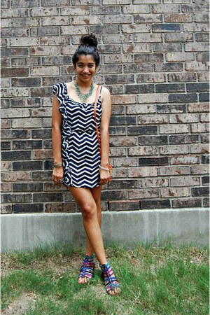 navy Envy Me dress - carrot orange Target bag - magenta Aldo sandals