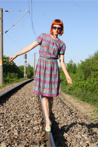 magenta vintage dress - light purple thrifted belt - aquamarine bb up heels