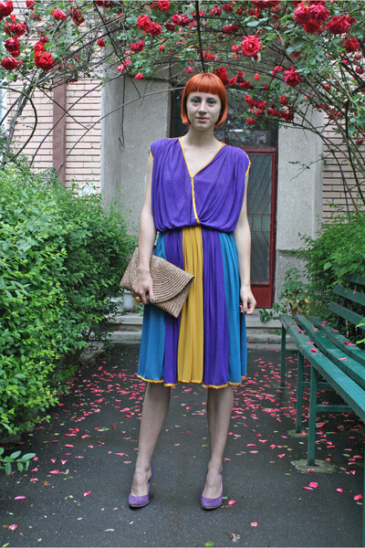 violet vintage dress - beige meli melo bag - violet Filty pumps