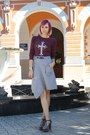 Maroon-thrifted-shirt-black-thrifted-skirt-black-jeffrey-campbell-sandals