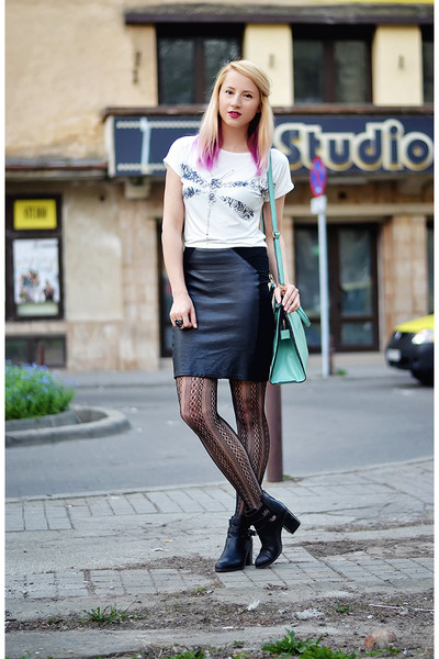 white dragonfly BAD Style t-shirt - black cut out Stradivarius boots