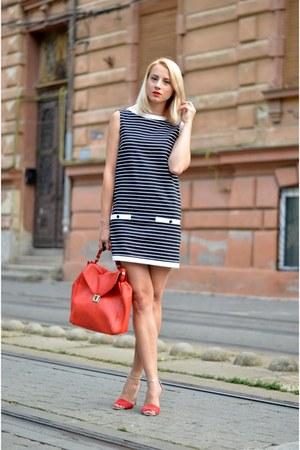 black stripes Zara dress - red Zara bag - red Mango sandals