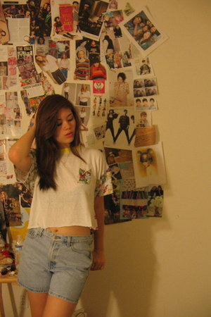 80s thrifted vintage shirt - high wasted 90s thrifted vintage shorts