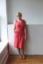 salmon linen vintage dress - nude merona stockings - gold venise lace Branchboun