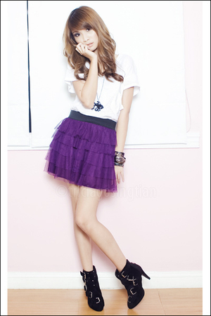 purple People are People skirt - black multiple-buckle Summersault boots