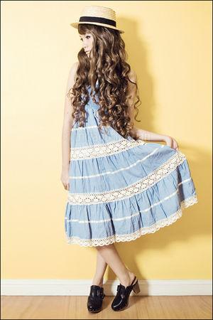 blue from greenhills dress - beige straw hat - black clogs Zara
