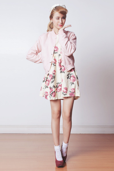 ivory floral Sheinside dress - light pink varsity Murua jacket
