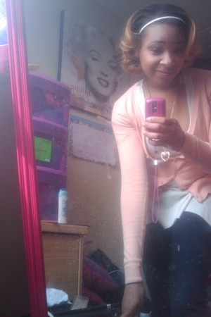 H&M cardigan - Max Azaria top - American Eagle jeans - Forever 21 necklace