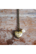 Smitten Lovely Necklaces
