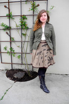 light brown bird print skirt - black lace up riding aerosoles boots