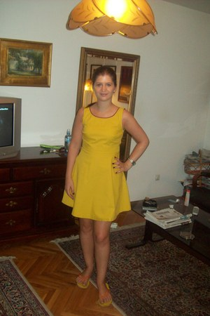 yellow toulip Zara dress