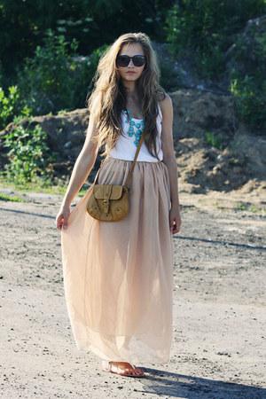 neutral Romwecom skirt - Zara shoes
