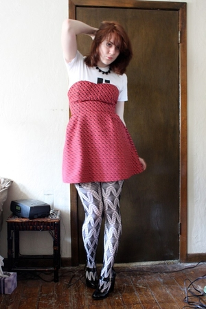 BB Dakota dress - American Apparel t-shirt - both american apparel tights - modc