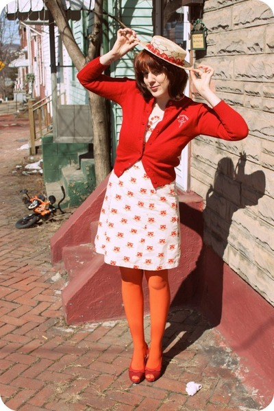vintage cardigan - Tulle dress - modcloth tights - ophelie hats hat - Pink Studi