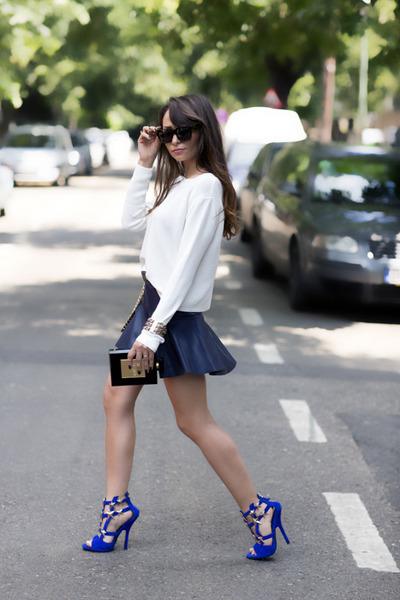 white Zara top - black pvc metal Chanel bag - blue Giuseppe Zanotti sandals