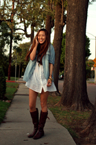 blue h&m denim shirt - white h&m shirt - brown modern vintage boots