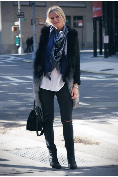 Mm6-boots-current-elliott-jeans-celine-bag