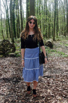 black satchel Matalan bag - black lennon sunglasses - navy gingham vintage skirt