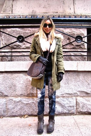 black cashmere vince sweater - dark gray harness Frye boots