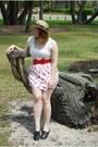 Tan-straw-boater-bodyline-hat-white-lace-target-t-shirt-red-bow-vintage-belt