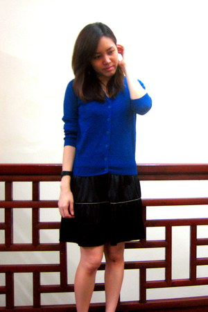 royal blue ozoc cardigan - satin black Lovebonito dress