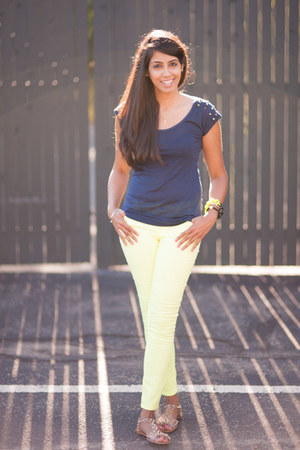 light yellow Forever 21 jeans - navy Wet top