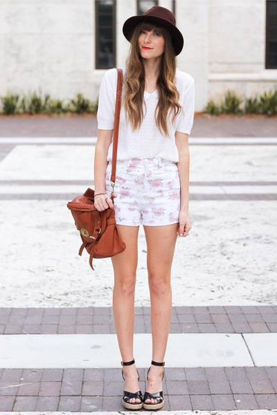 bubble gum romwe shorts - white Tea and Tulips blouse