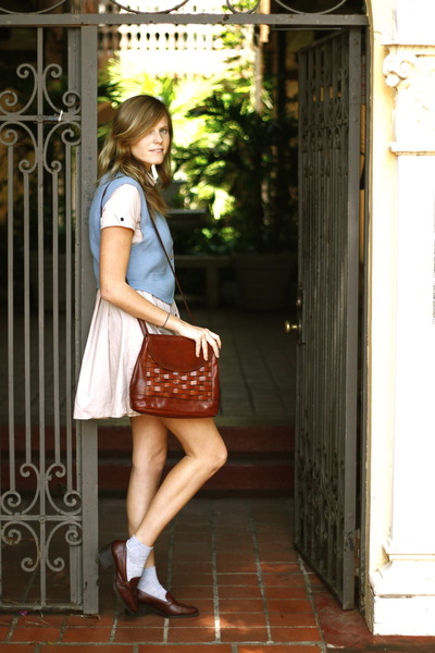 beige thrifted dress - dark brown thrifted bag - periwinkle thrifted vintage ves