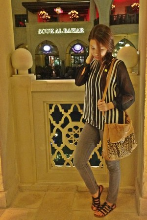 black SM Dept Store sandals - heather gray skinny Forever 21 jeans
