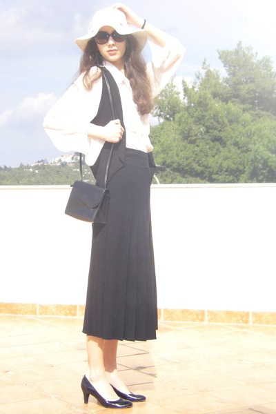 hat - Kem purse - Stradivarius vest - American Apparel blouse - heels - jupe cul