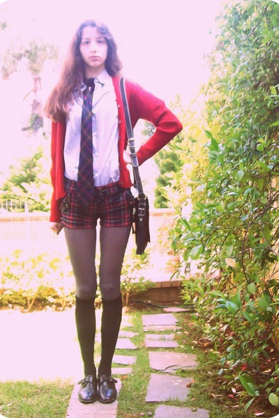 black vintage shoes - periwinkle vintage shirt - ruby red shorts - dark green pl