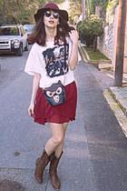 white the beatles Persun Mall t-shirt - brown cowboy boots - maroon H&M hat