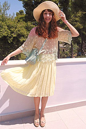 light yellow pleated romwe skirt - aquamarine bag