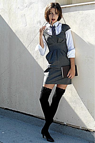 navy tie - heather gray Stradivarius dress - black knee high socks