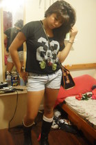 Forever 21 boots - Forever 21 shirt - thrifted vintage purse - Pac Sun shorts