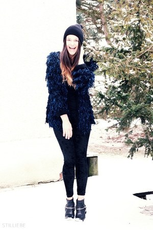 black H&amp;M boots - black vintage hat - velvet OASAP leggings - evil twin cardigan