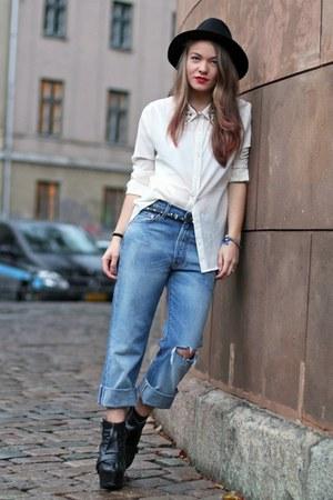 black fedora Zara hat - sky blue boyfriend Levis jeans