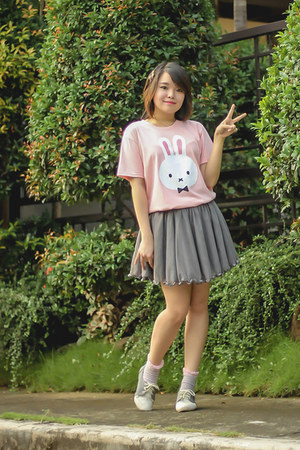 heather gray Old Navy skirt - light pink Elle Poupee shirt